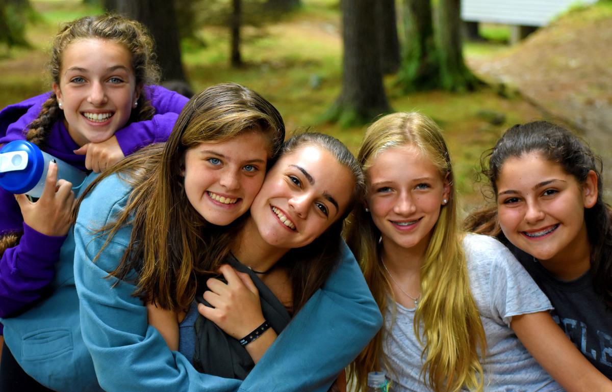 Sexy summer camp girls